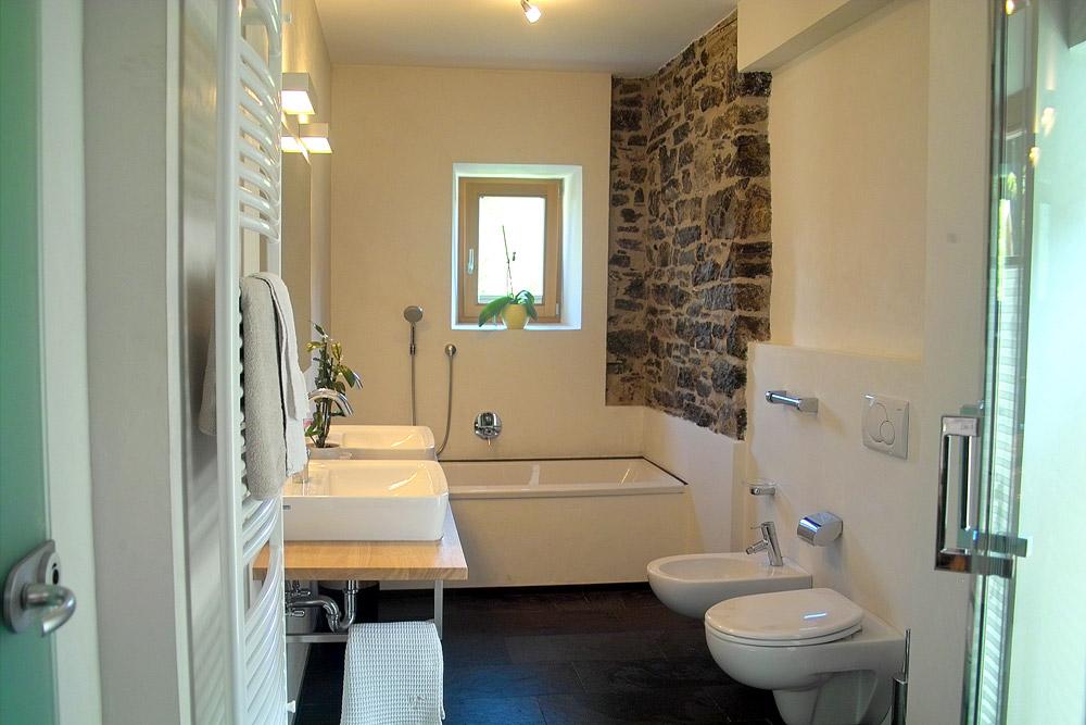 Appartamenti a dobbiaco residence baur al lago - Bagno con wc separato ...